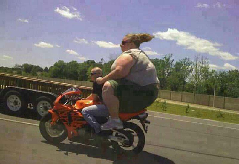 grosse et moto